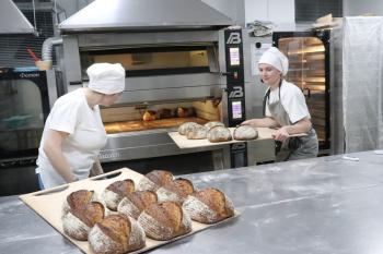 Центральным элементом пекарни является духовка
